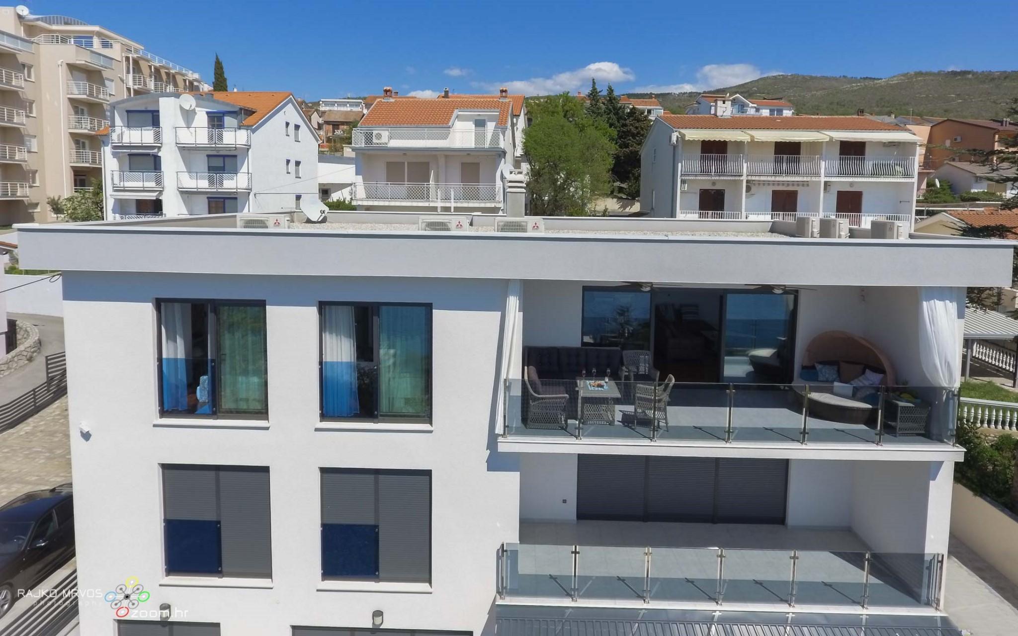 fotografiranje-iz-zraka-eksterijera-dronom-vila-kuca-hotela-apartmana-Larimar-Penthouse-57