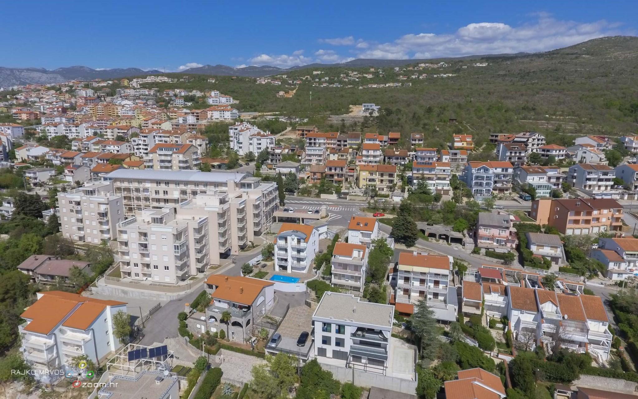 fotografiranje-iz-zraka-eksterijera-dronom-vila-kuca-hotela-apartmana-Larimar-Penthouse-52