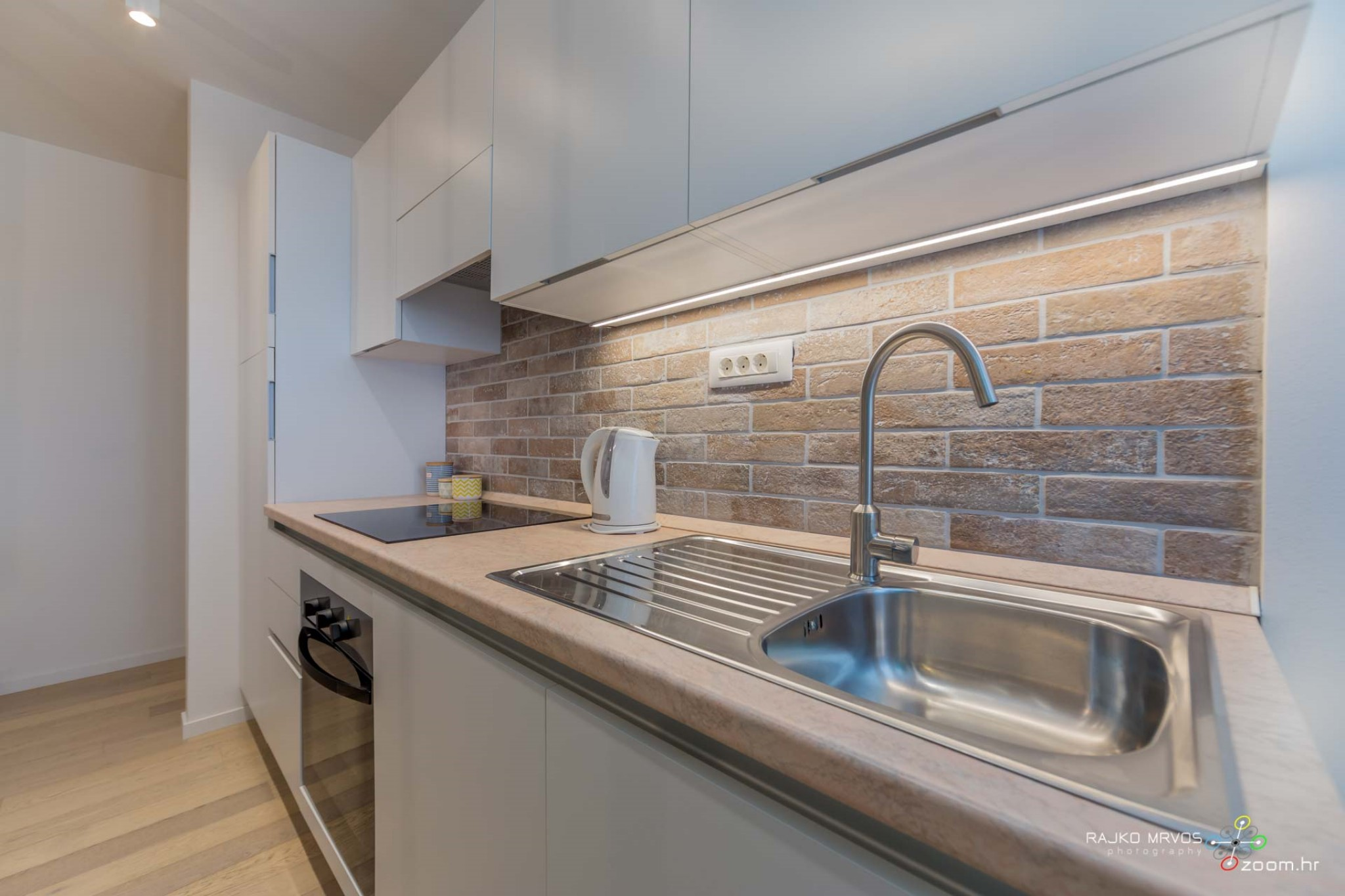 fotograf-interijera-fotograf-eksterijera-slikanje-apartmana-Central-Rijeka-Apartments-48