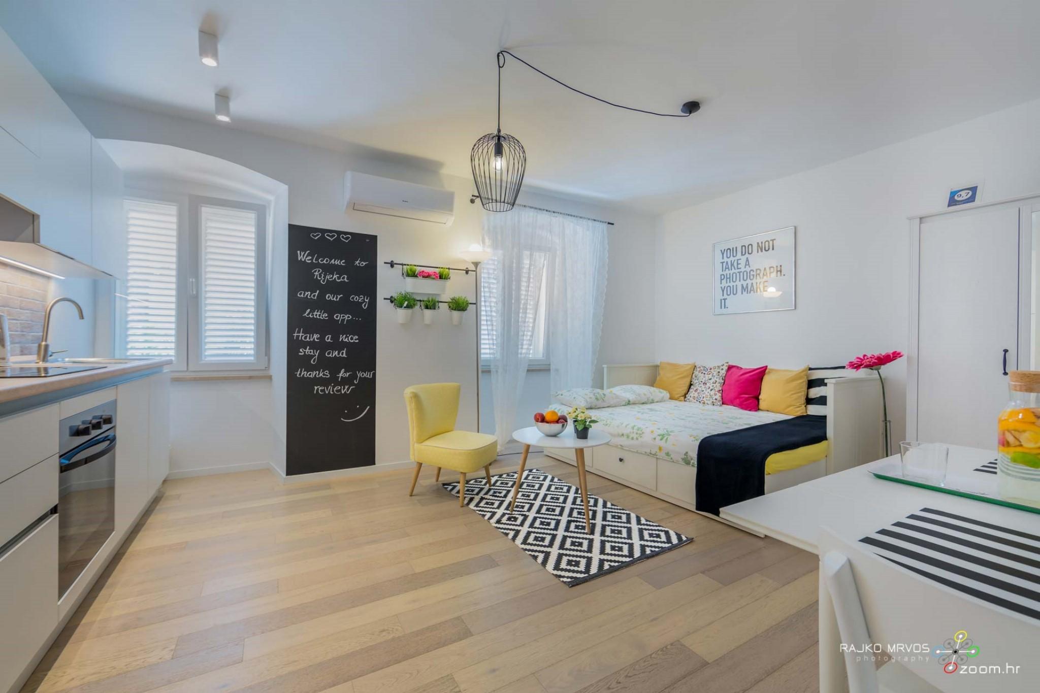 fotograf-interijera-fotograf-eksterijera-slikanje-apartmana-Central-Rijeka-Apartments-35