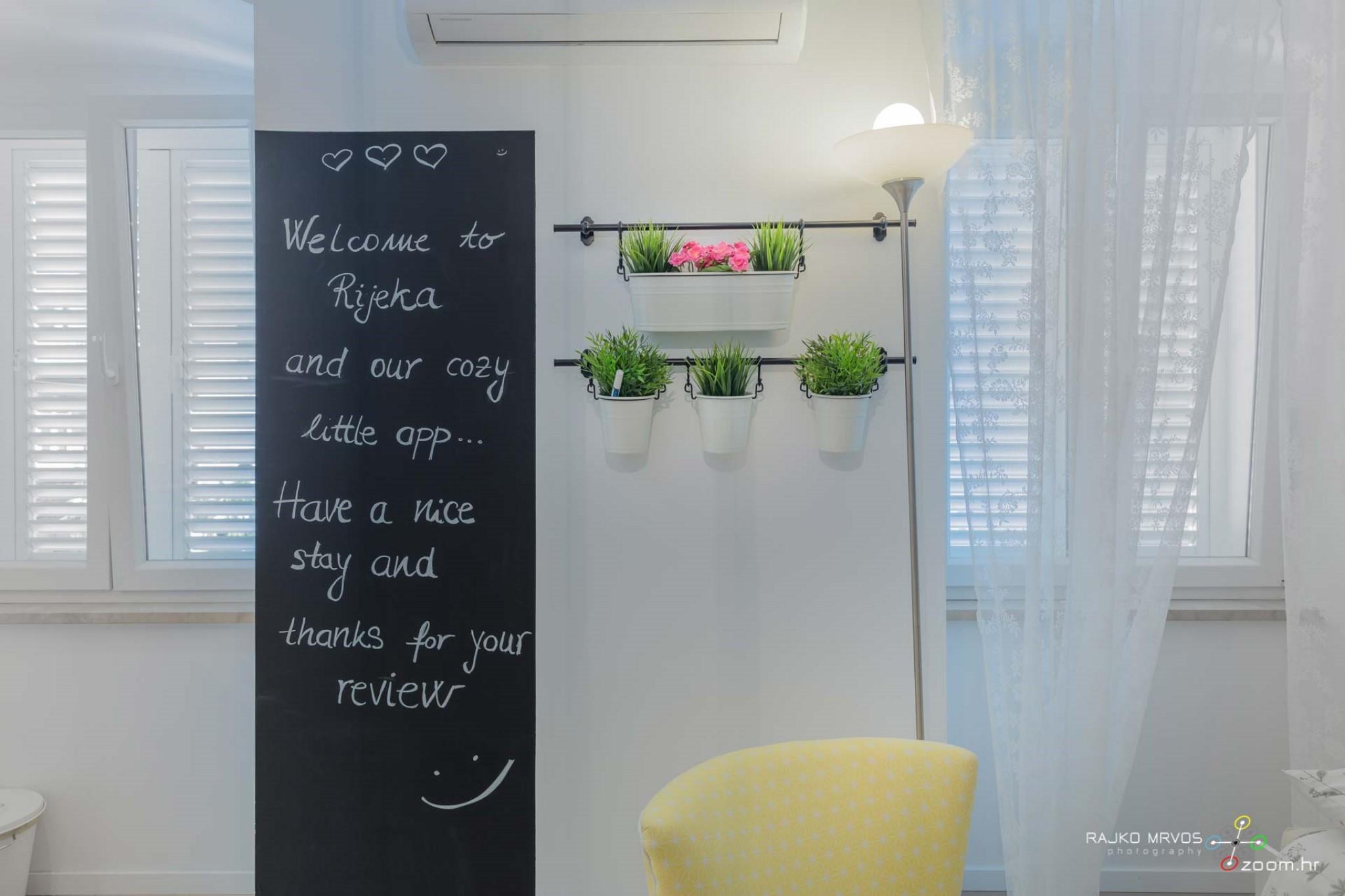fotograf-interijera-fotograf-eksterijera-slikanje-apartmana-Central-Rijeka-Apartments-52