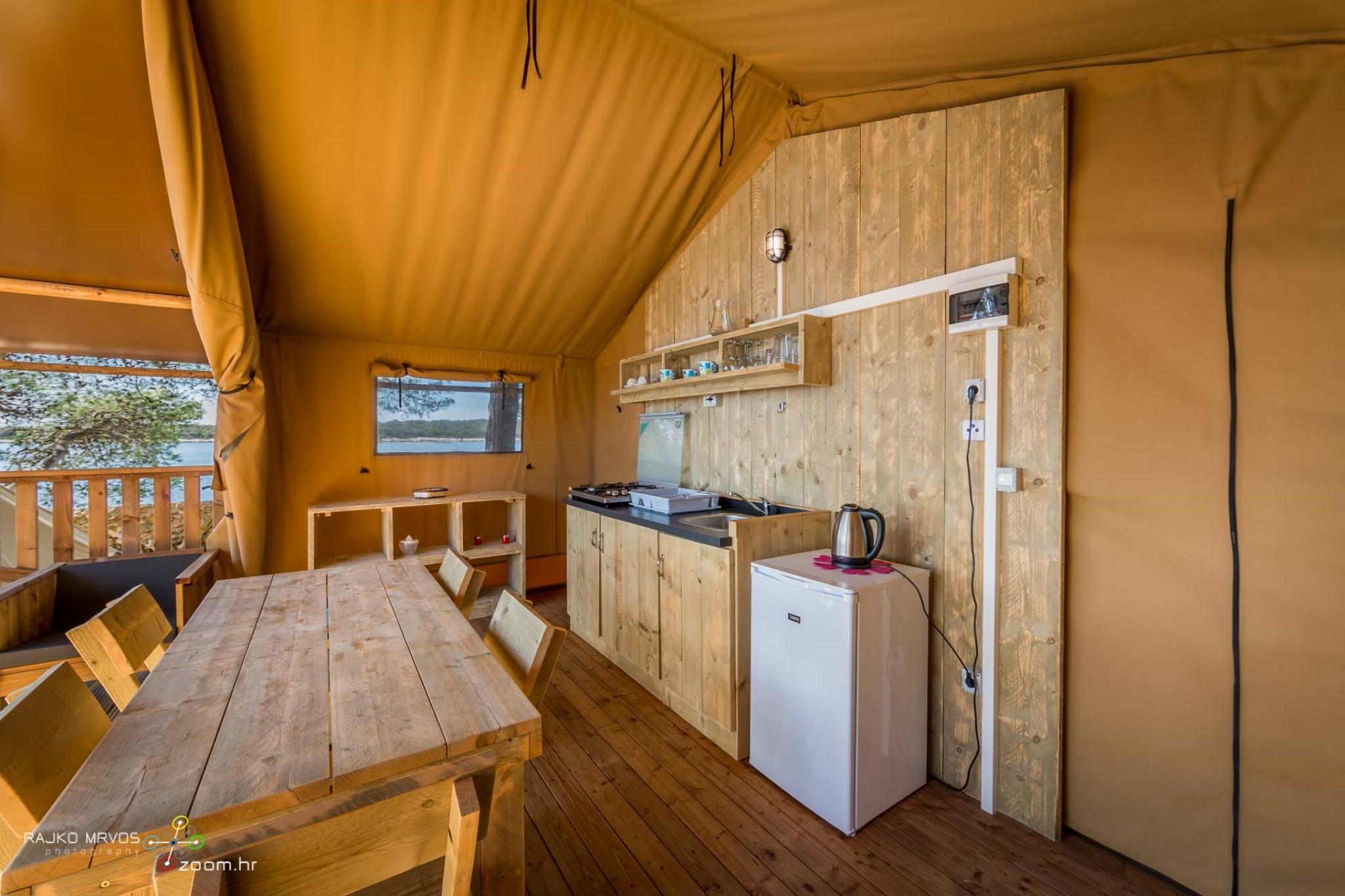 fotografiranje-interijera-fotograf-eksterijera-kampova-bungalova-kamp-satori-mobilne-kucice-15