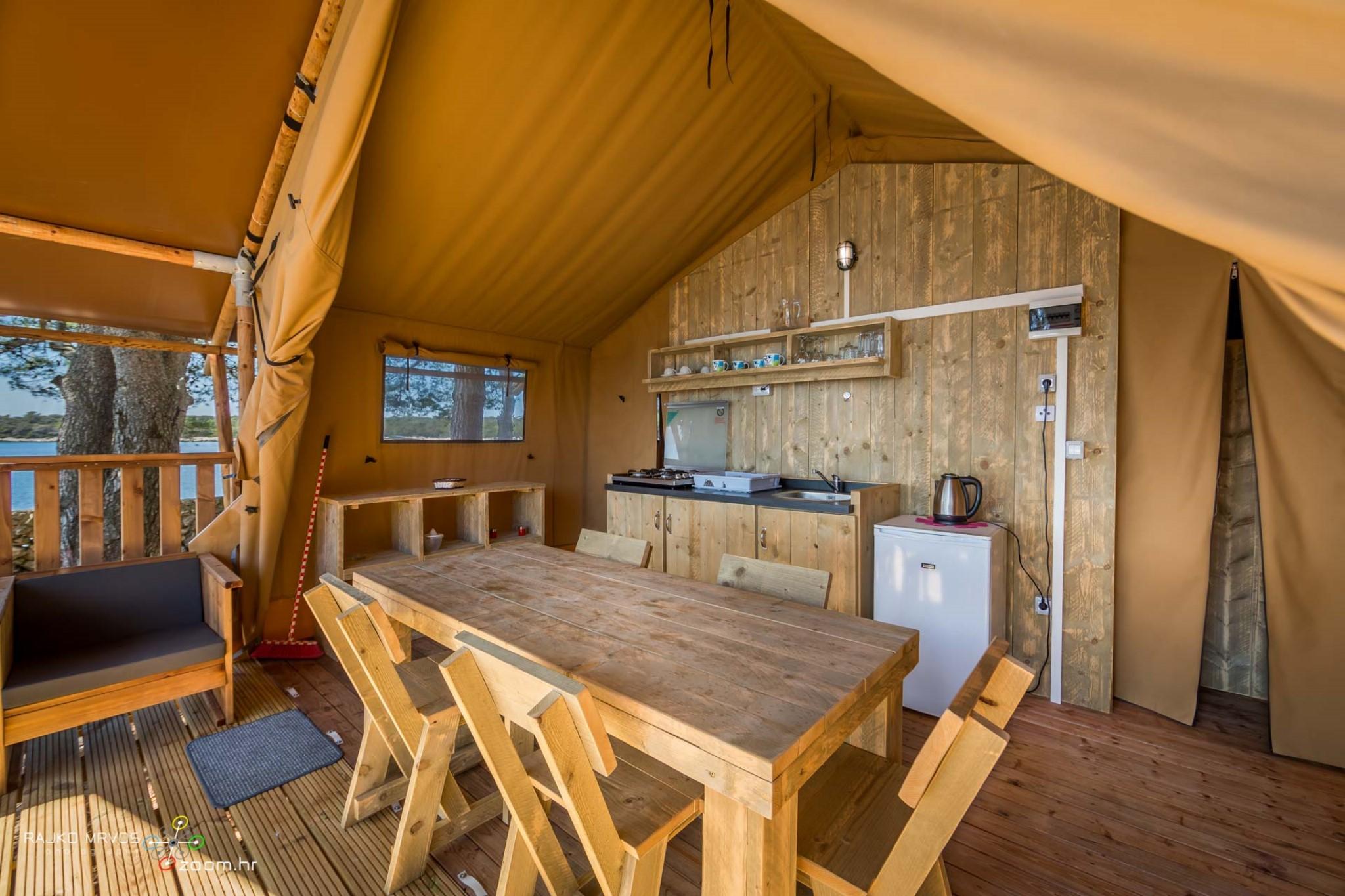 fotografiranje-interijera-fotograf-eksterijera-kampova-bungalova-kamp-satori-mobilne-kucice-16