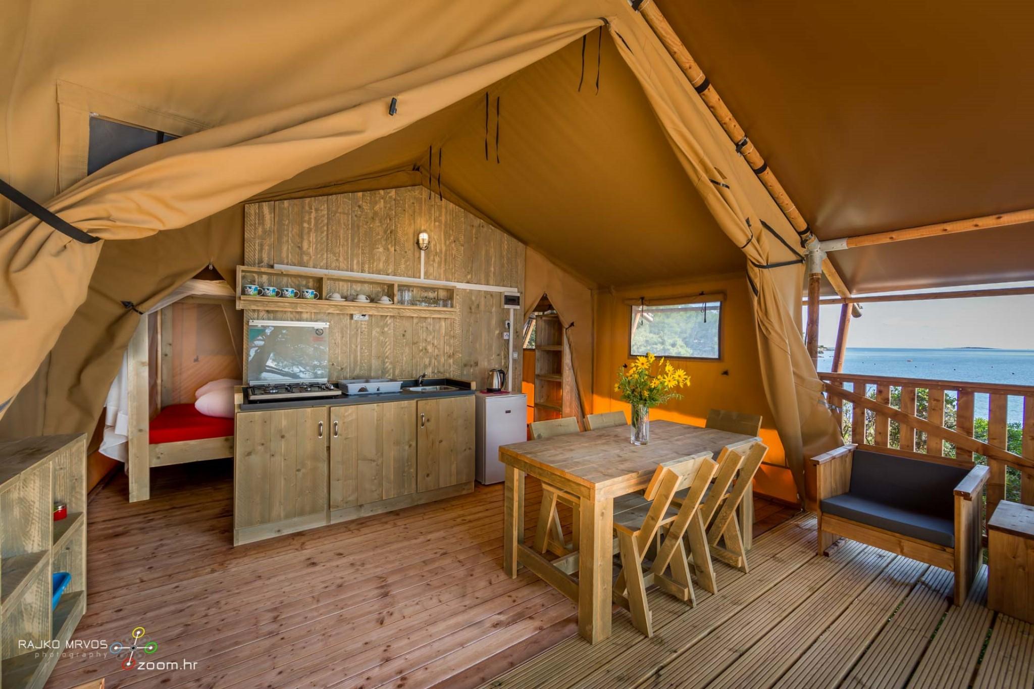 fotografiranje-interijera-fotograf-eksterijera-kampova-bungalova-kamp-satori-mobilne-kucice-6