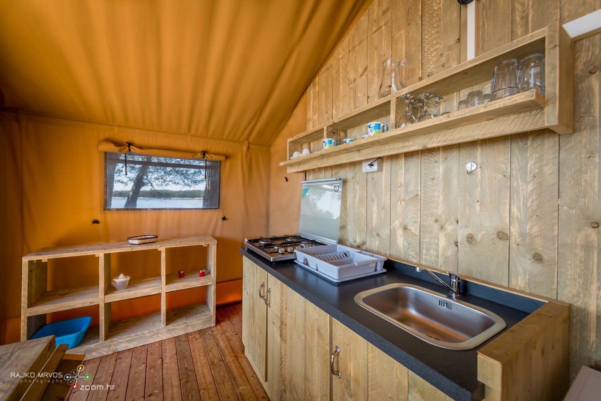 fotografiranje-interijera-fotograf-eksterijera-kampova-bungalova-kamp-satori-mobilne-kucice-17