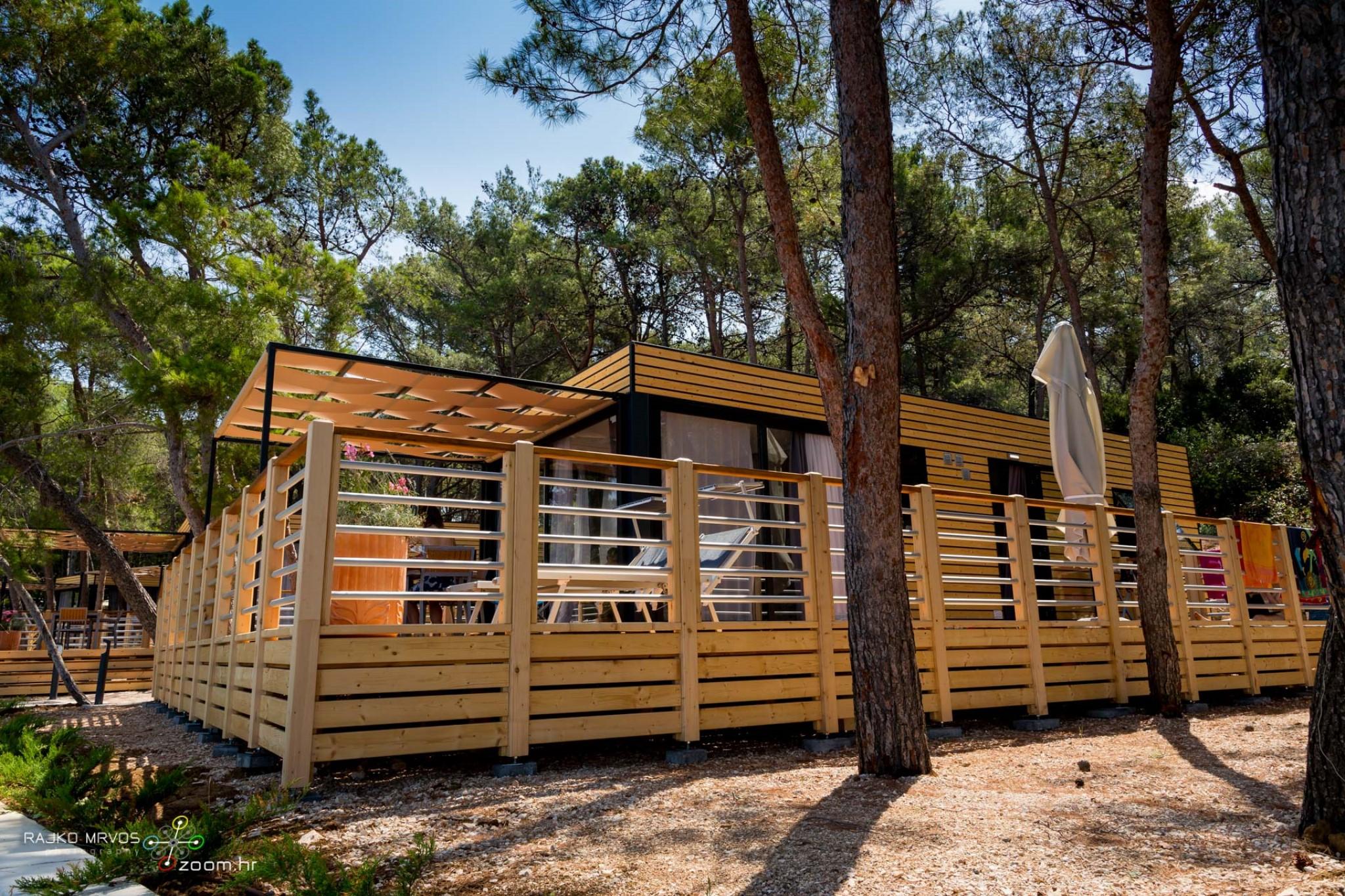 fotografiranje-interijera-fotograf-eksterijera-kampova-bungalova-kamp-satori-mobilne-kucice-33