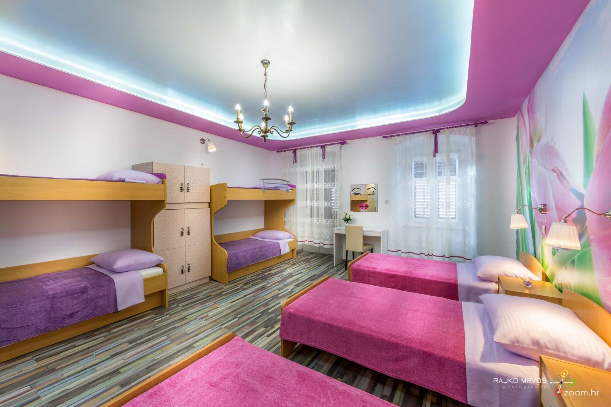 fotografiranje-interijera-fotograf-eksterijera-apartmana-vila-kuca-hostela-Happy-Hostel-5