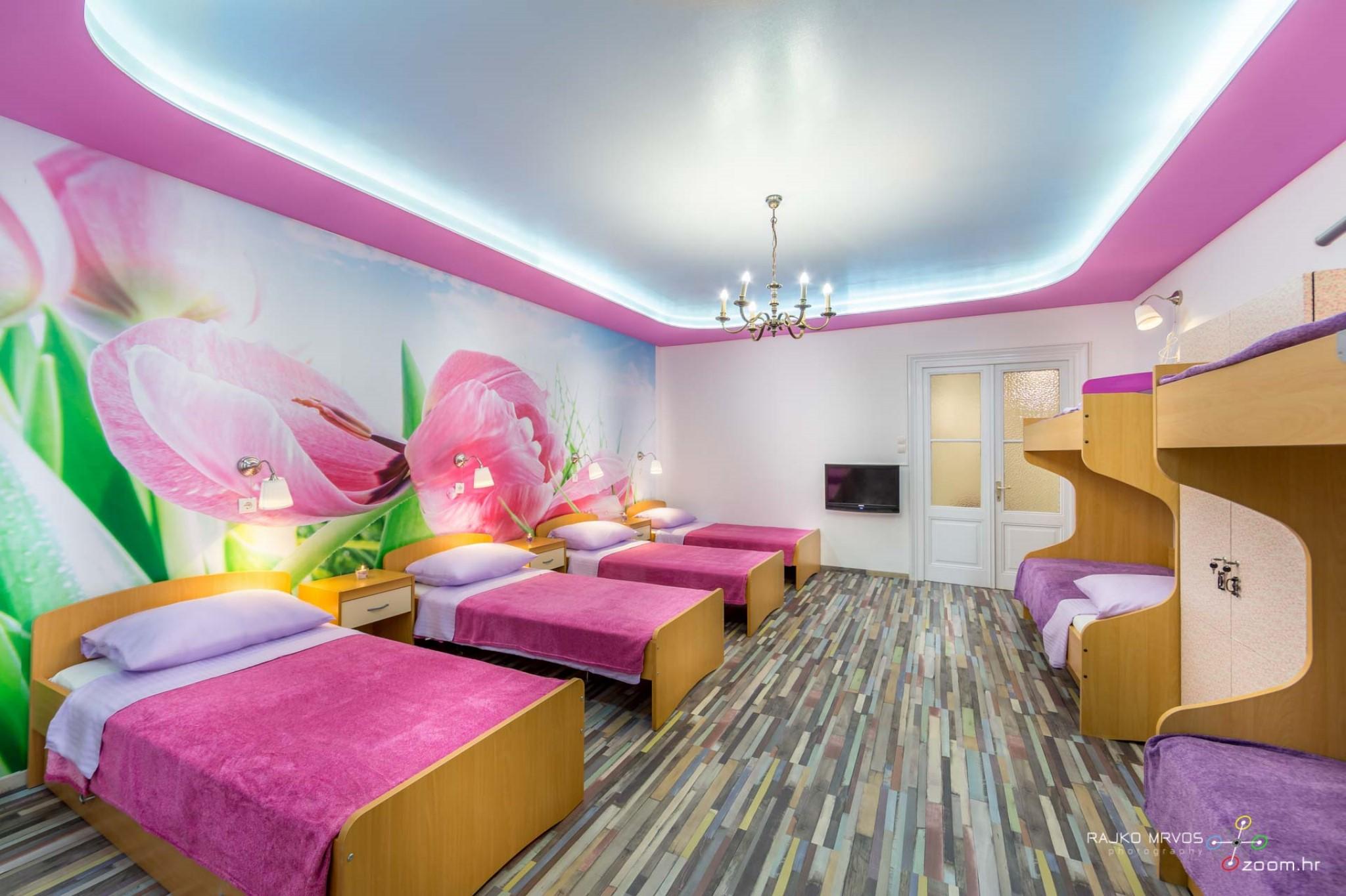 fotografiranje-interijera-fotograf-eksterijera-apartmana-vila-kuca-hostela-Happy-Hostel-2