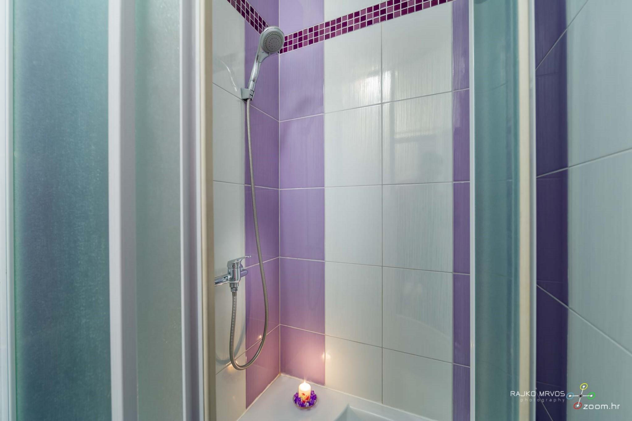 fotografiranje-interijera-fotograf-eksterijera-apartmana-vila-kuca-hostela-Happy-Hostel-13