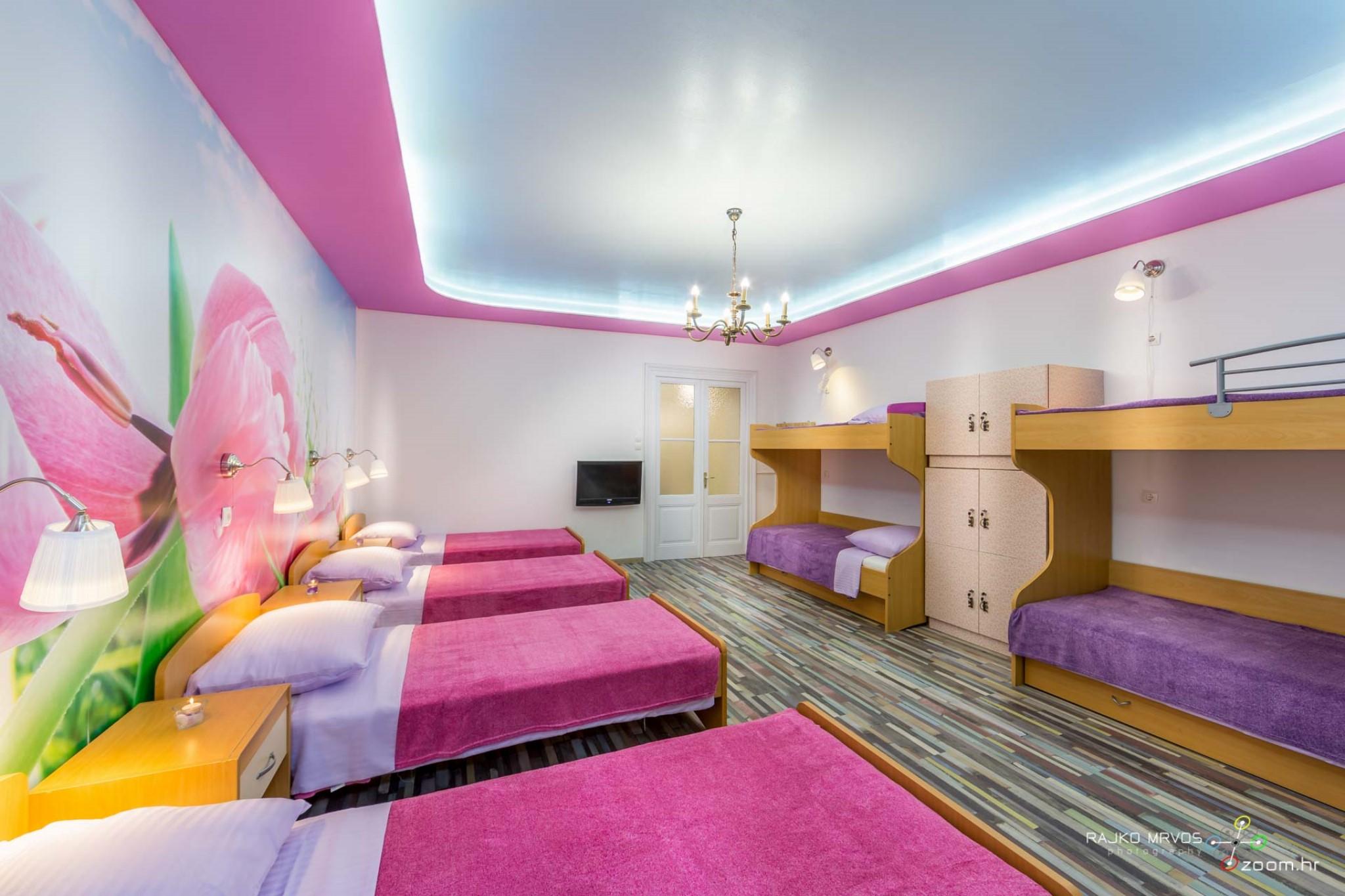 fotografiranje-interijera-fotograf-eksterijera-apartmana-vila-kuca-hostela-Happy-Hostel-6