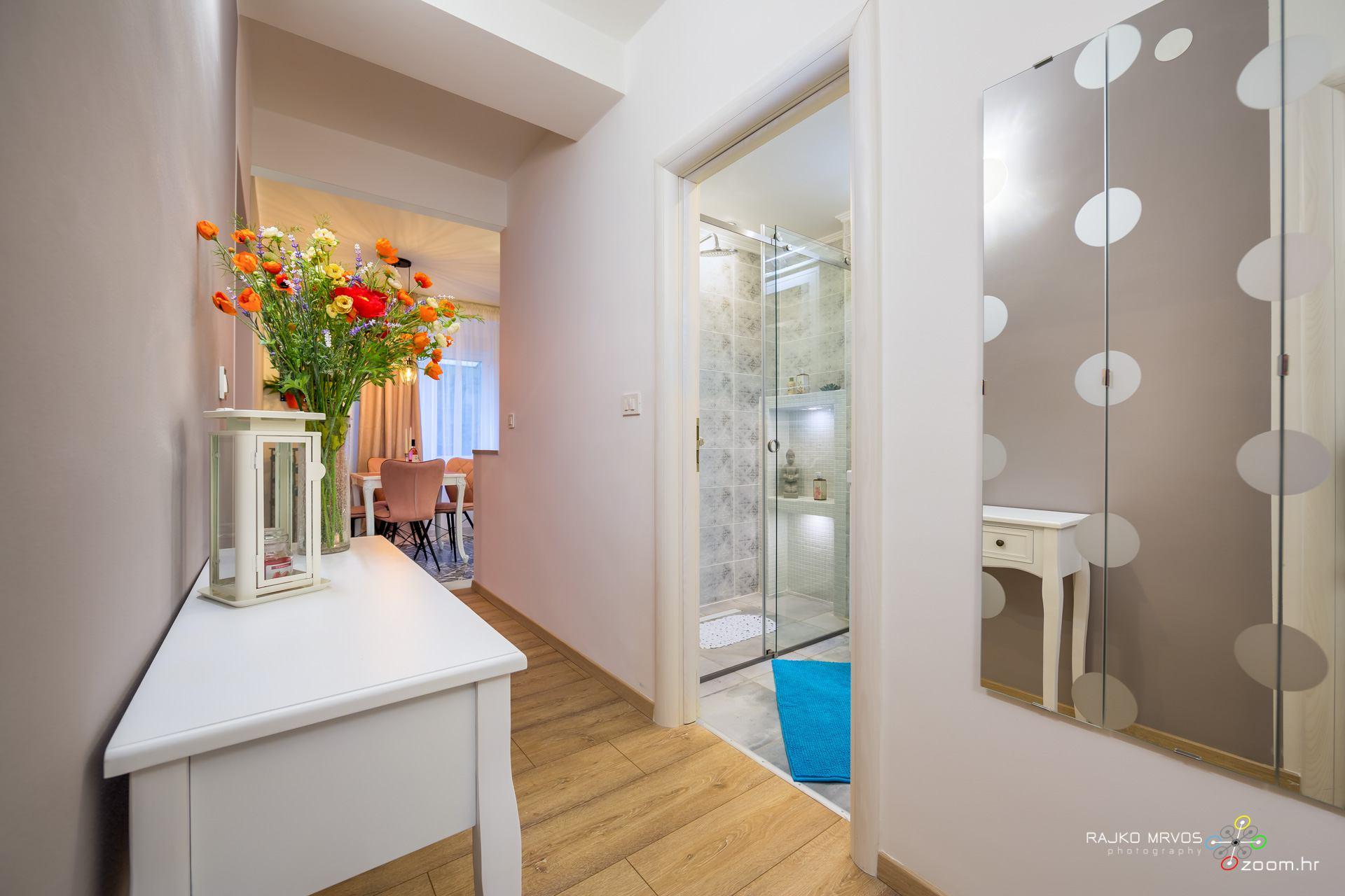 fotografiranje-interijera-fotograf-apartmana-vila-kuca-hotela-apartman-Gabby-Rijeka-4