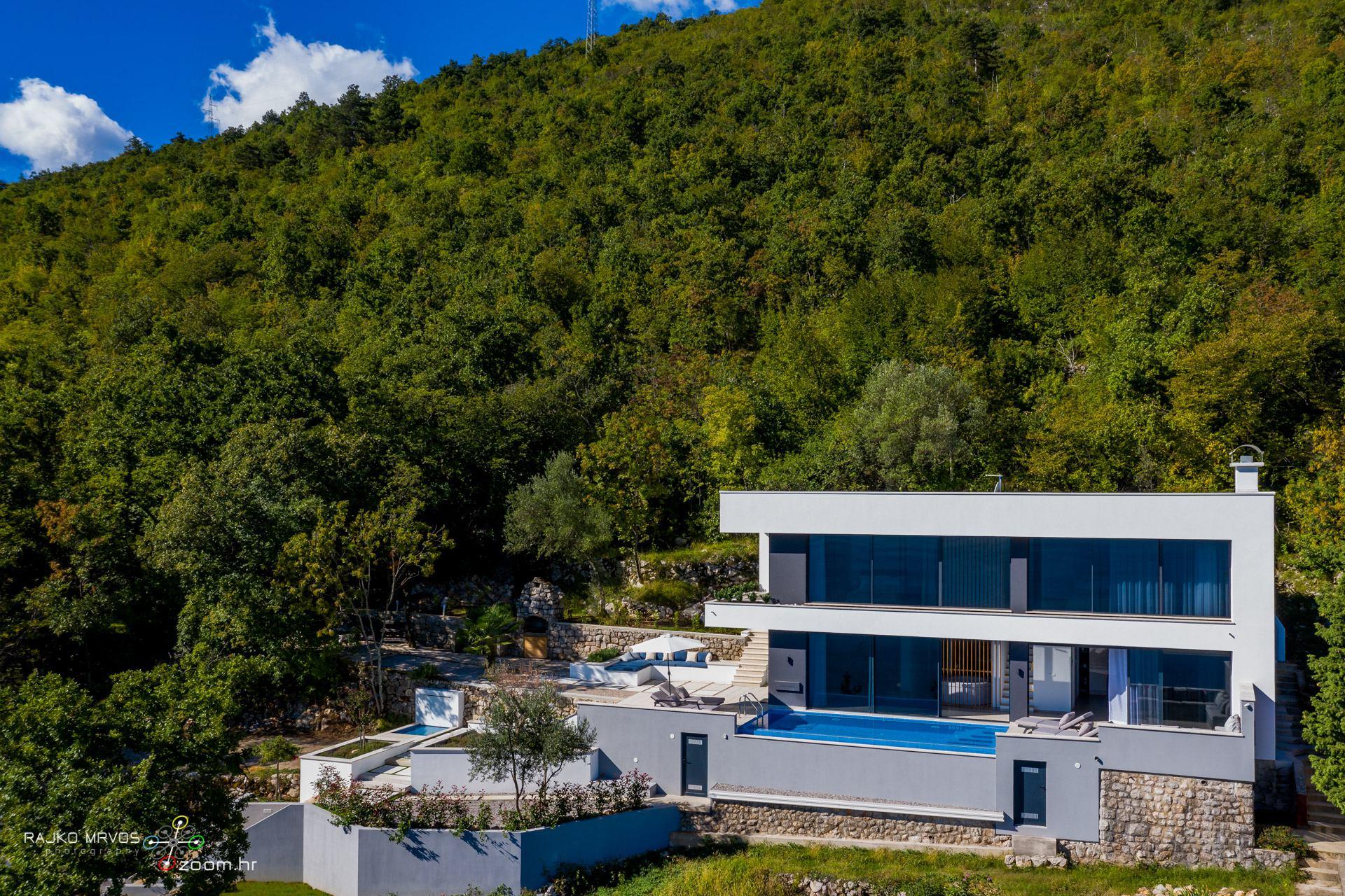 profesionalno-fotografiranje-vila-kuca-fotograf-villa-Sky-Pool-Villa-Medveja-1